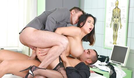 Busty Girl DP Porn