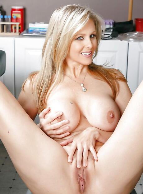 Spreading Pussy Porn