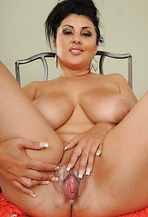 Housewife Boobs Porn