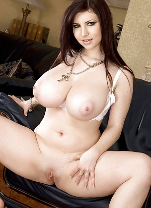 Boobs and Shaved Pussy Porn