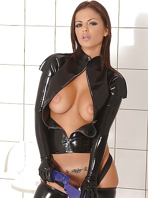 Boobs in Latex Porn