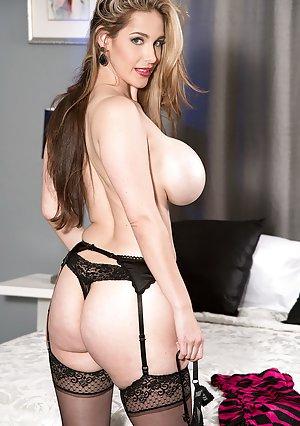 Mature Boobs Porn