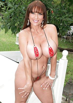 Boobs Bikini Porn