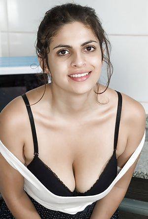 Boobs on Kitchen Porn